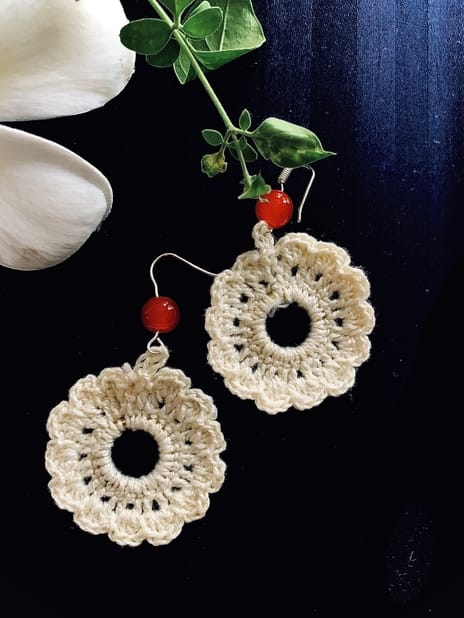 Hand-made Flower Shape White Color Earring | Smiarts